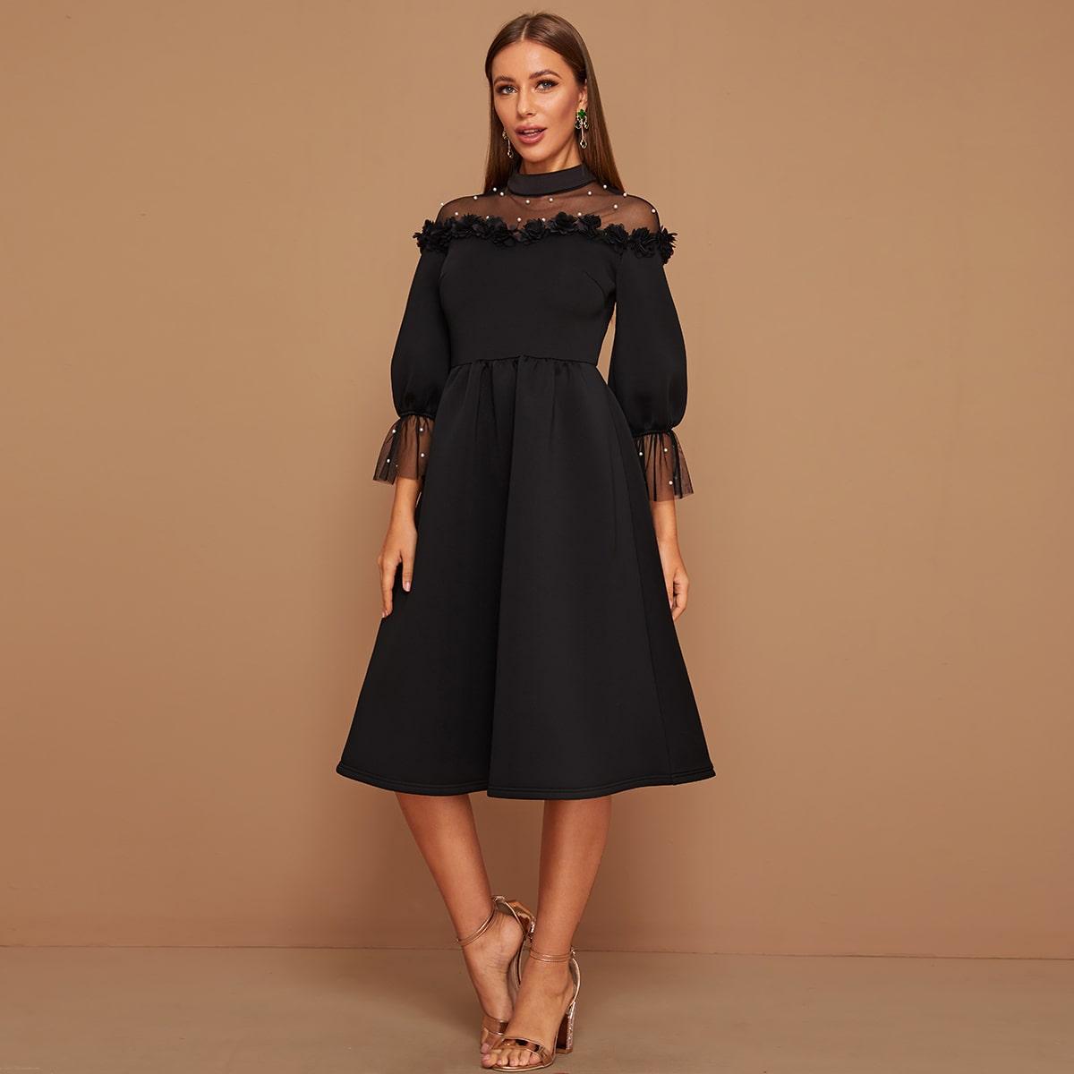 Kleid mit Netzstoff, Perlen und 3D Applikation