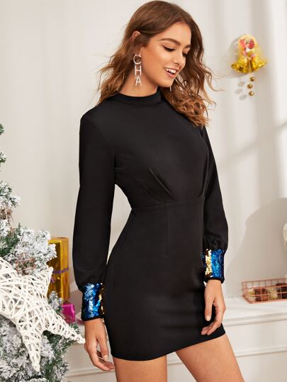Contrast Sequin Keyhole Back Fitted Dress