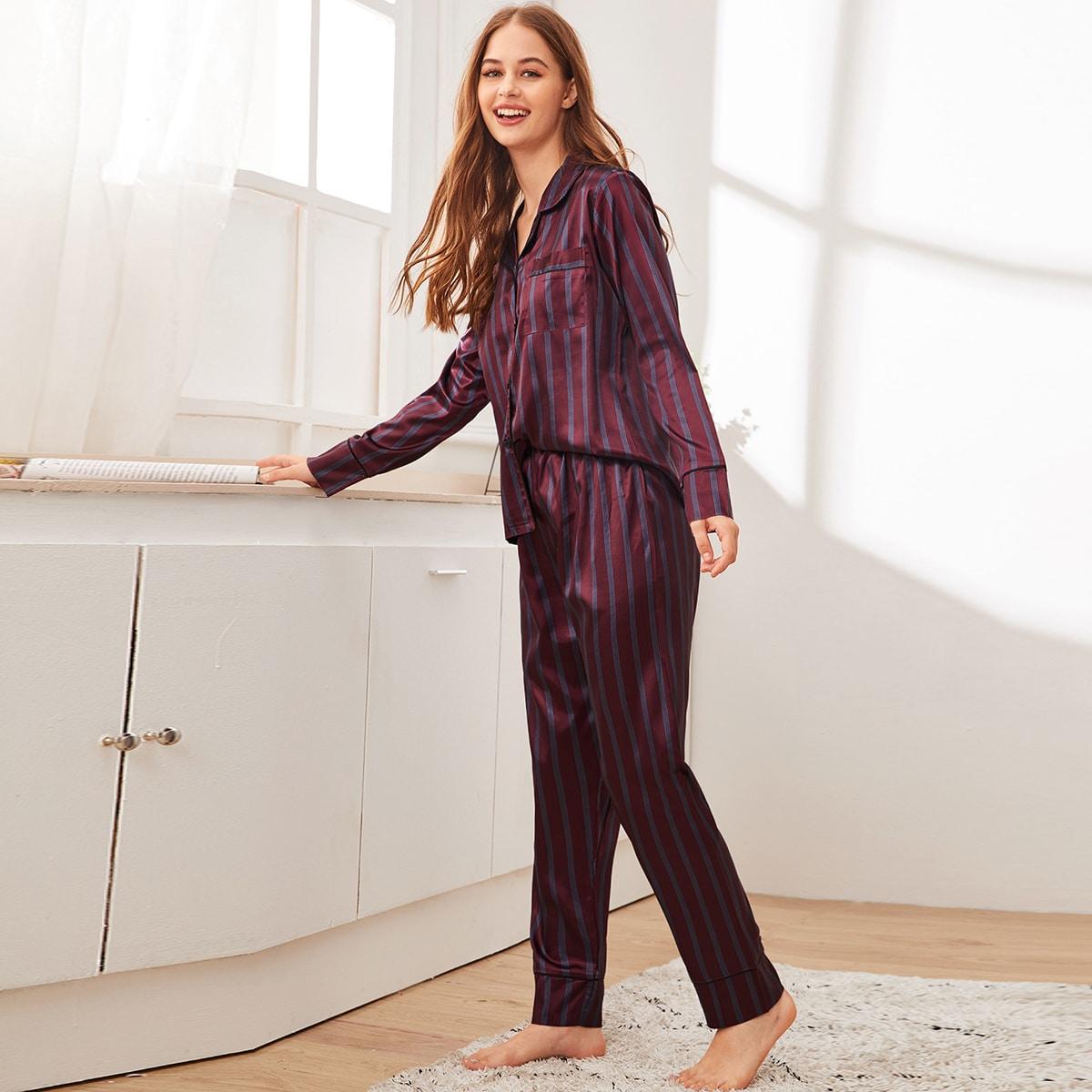Атласная полосатая пижама на пуговицах