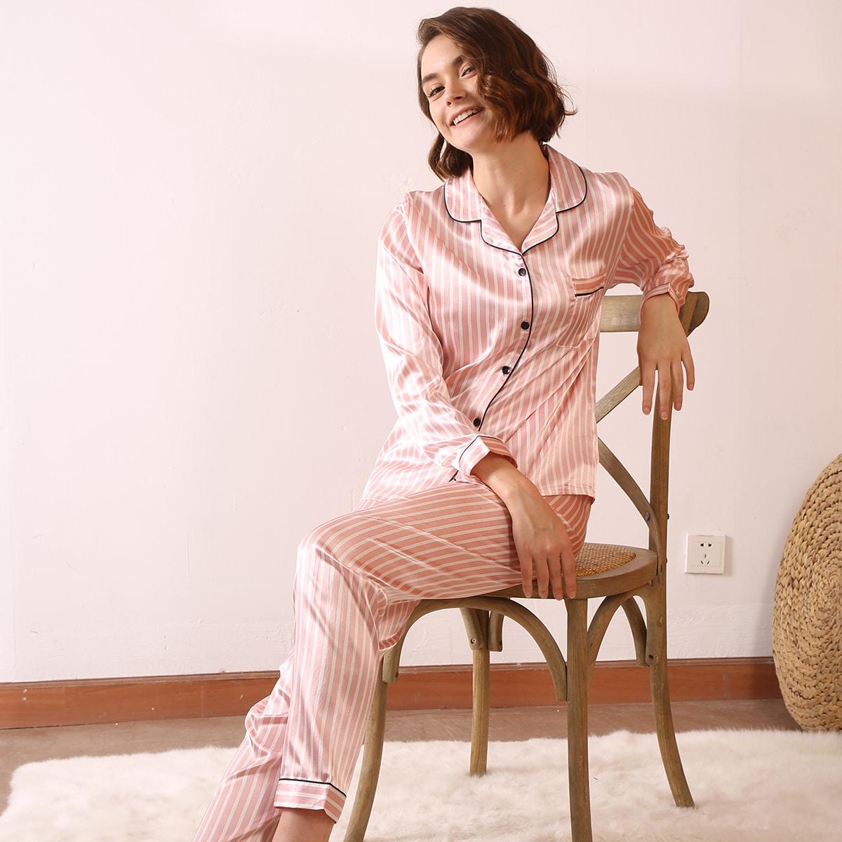 Атласная пижама в полоску с карманом