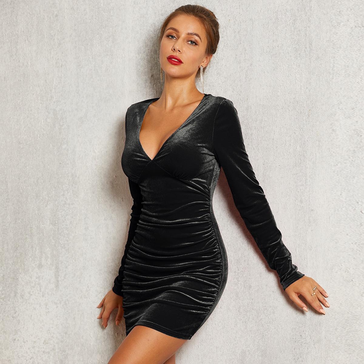 бархатое платье с глубоким вырезом SheIn swdress42191107133
