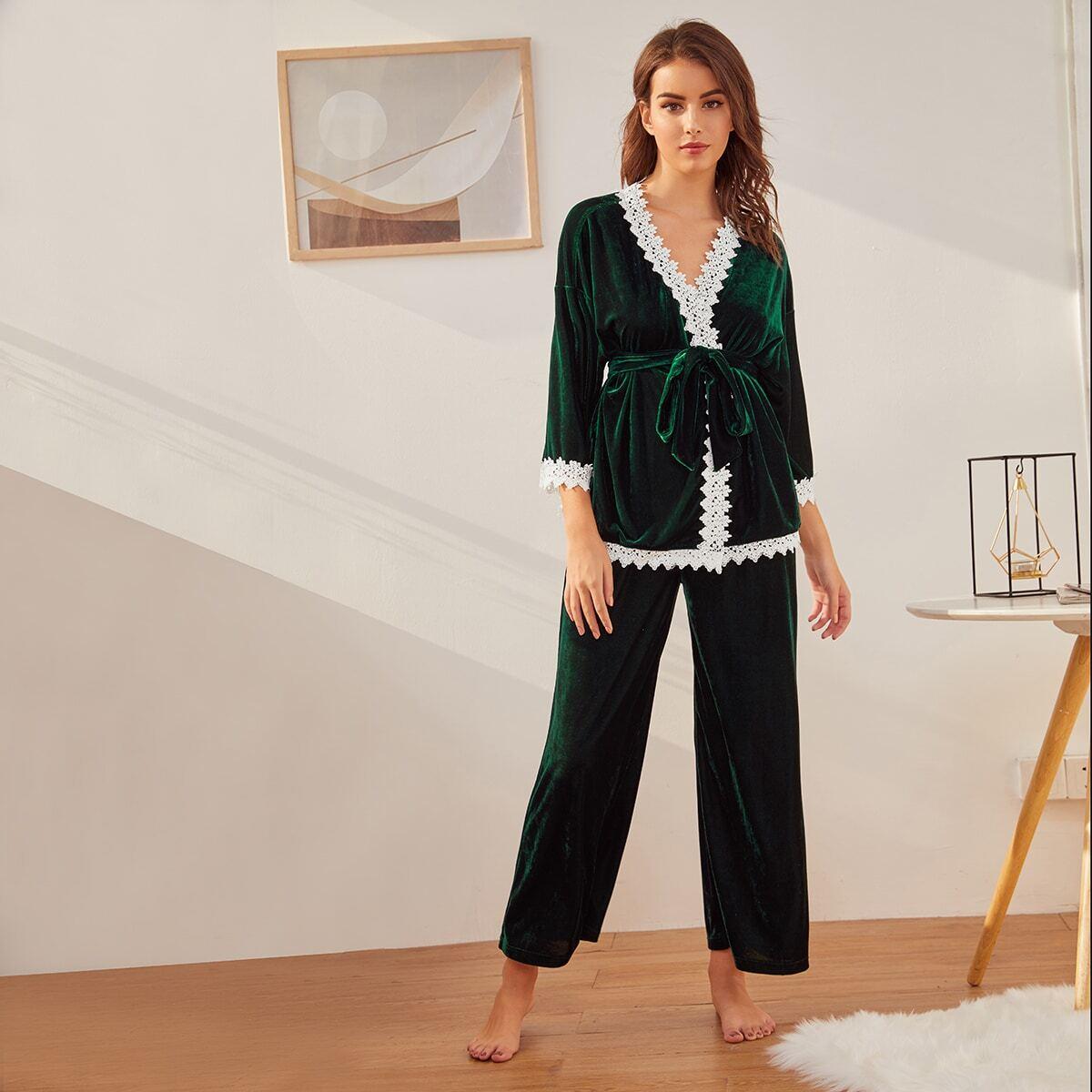 Samt Robe mit Spitzen, Gürtel und Hosen PJ Set