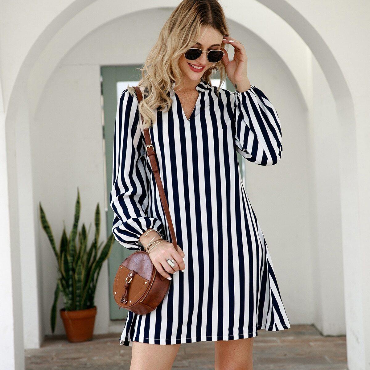 Платье-рубашка в вертикальную полоску