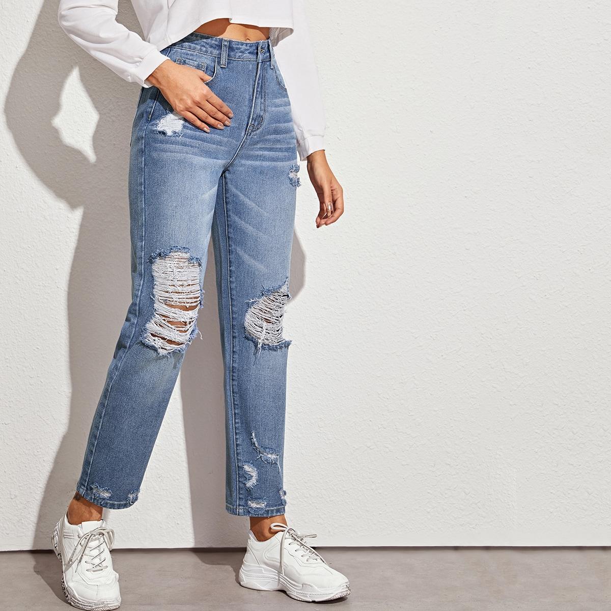 Рваные прямые джинсы