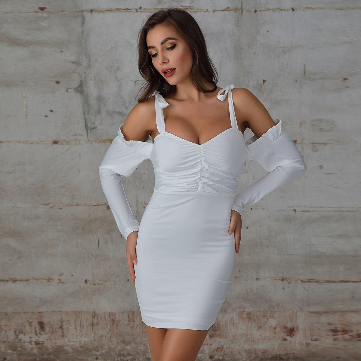 облегающее платье с узлом и разрезом на плечах