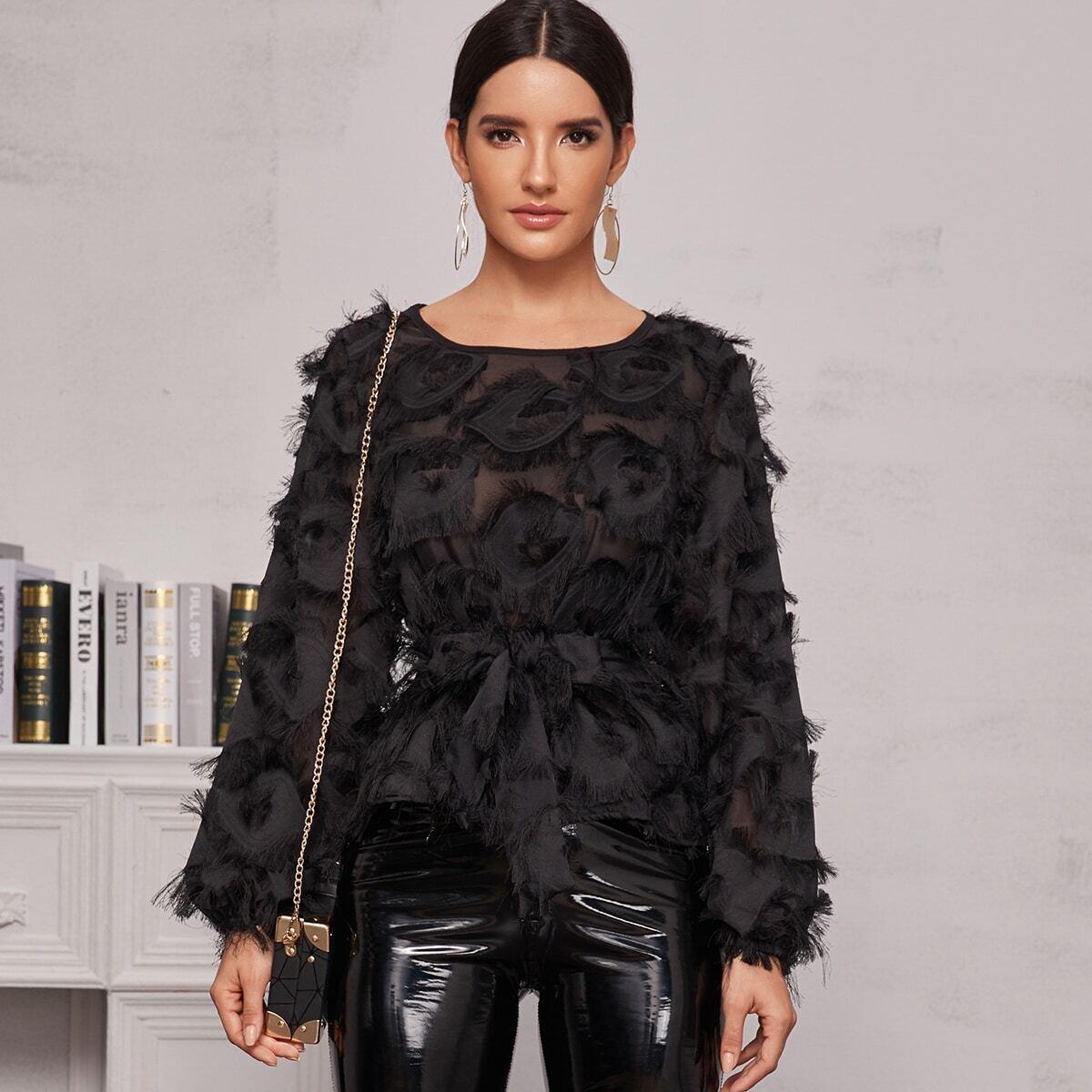 Прозрачная блуза с поясом и оригинальной отделкой