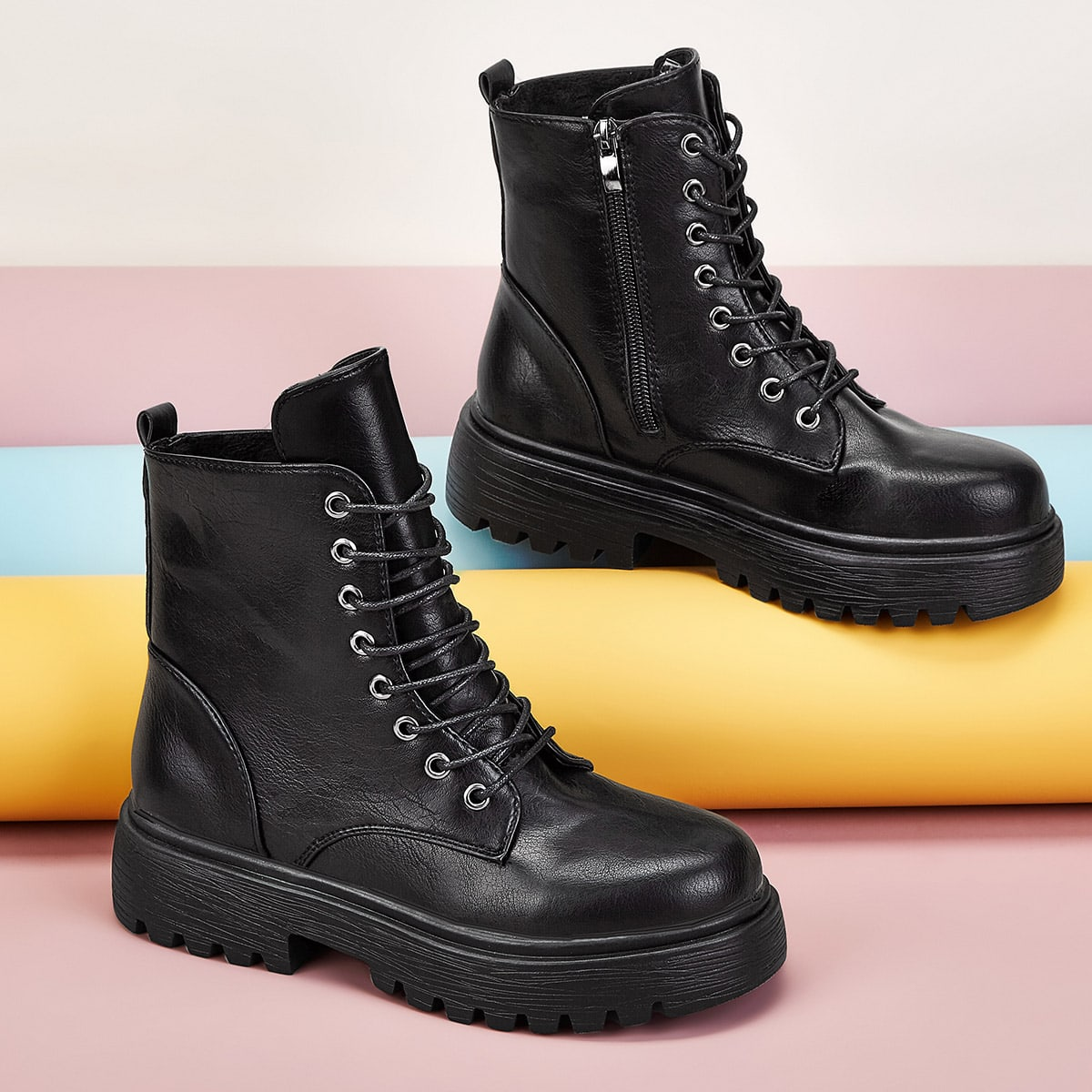 Ботинки с молнией на шнурках