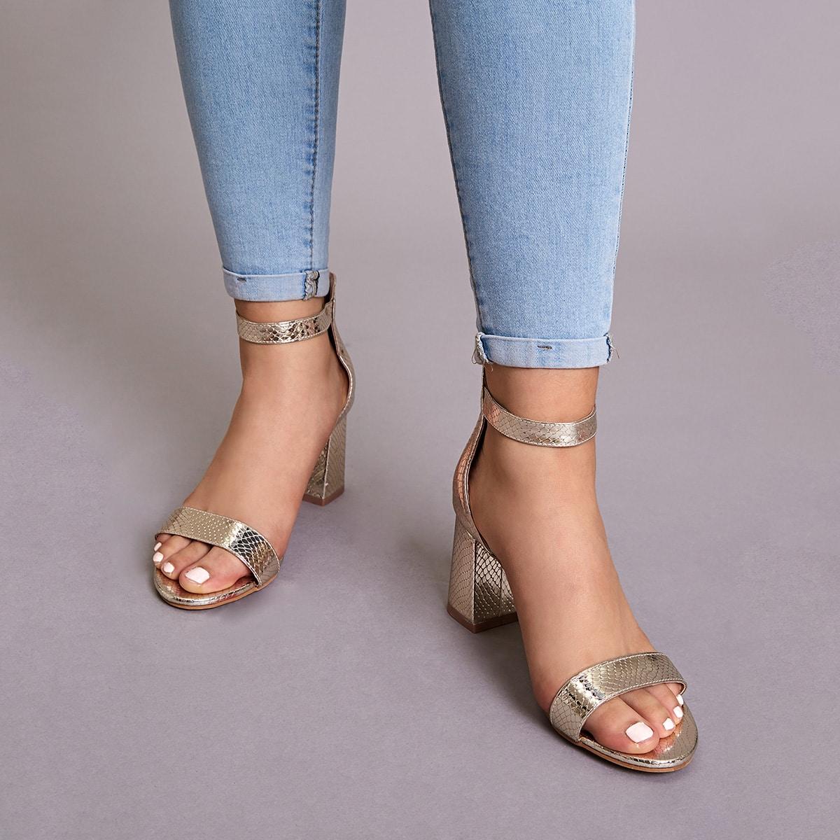 Змеиные туфли с массивным каблуком и ремешком от SHEIN