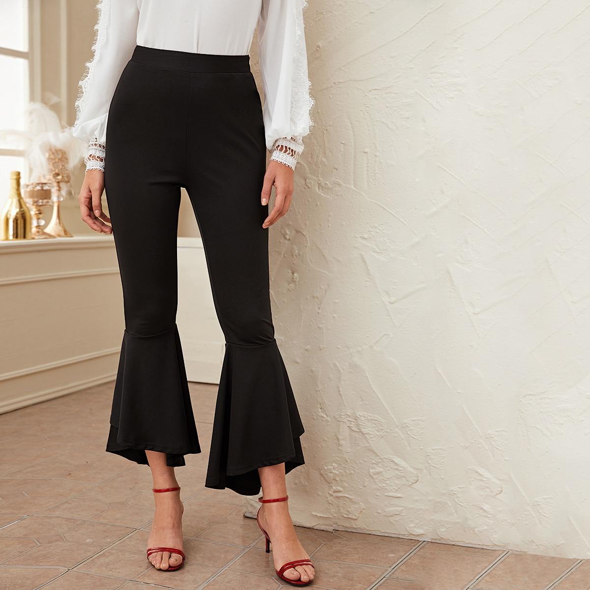 Einfarbige Hose mit elastischer Taille und ausgestelltem Beinschnitt