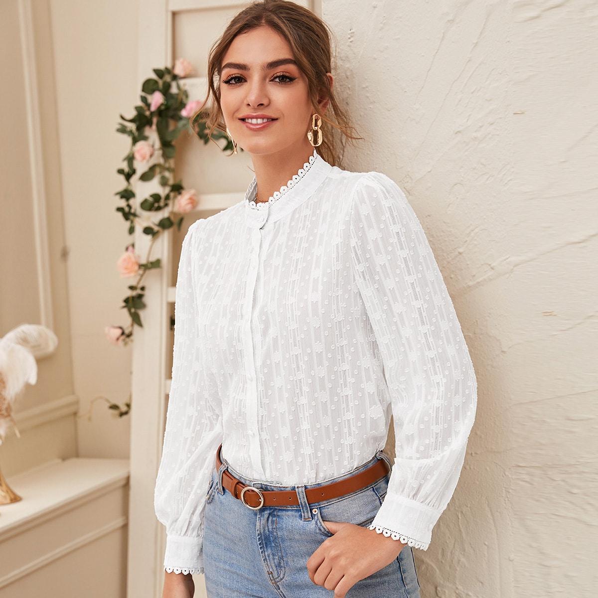 Однотонная сетчатая блуза с воротником-стойкой и пуговицами