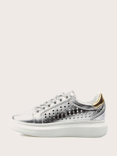 Metallic Perforated Sneakers mit Schnürung vorne