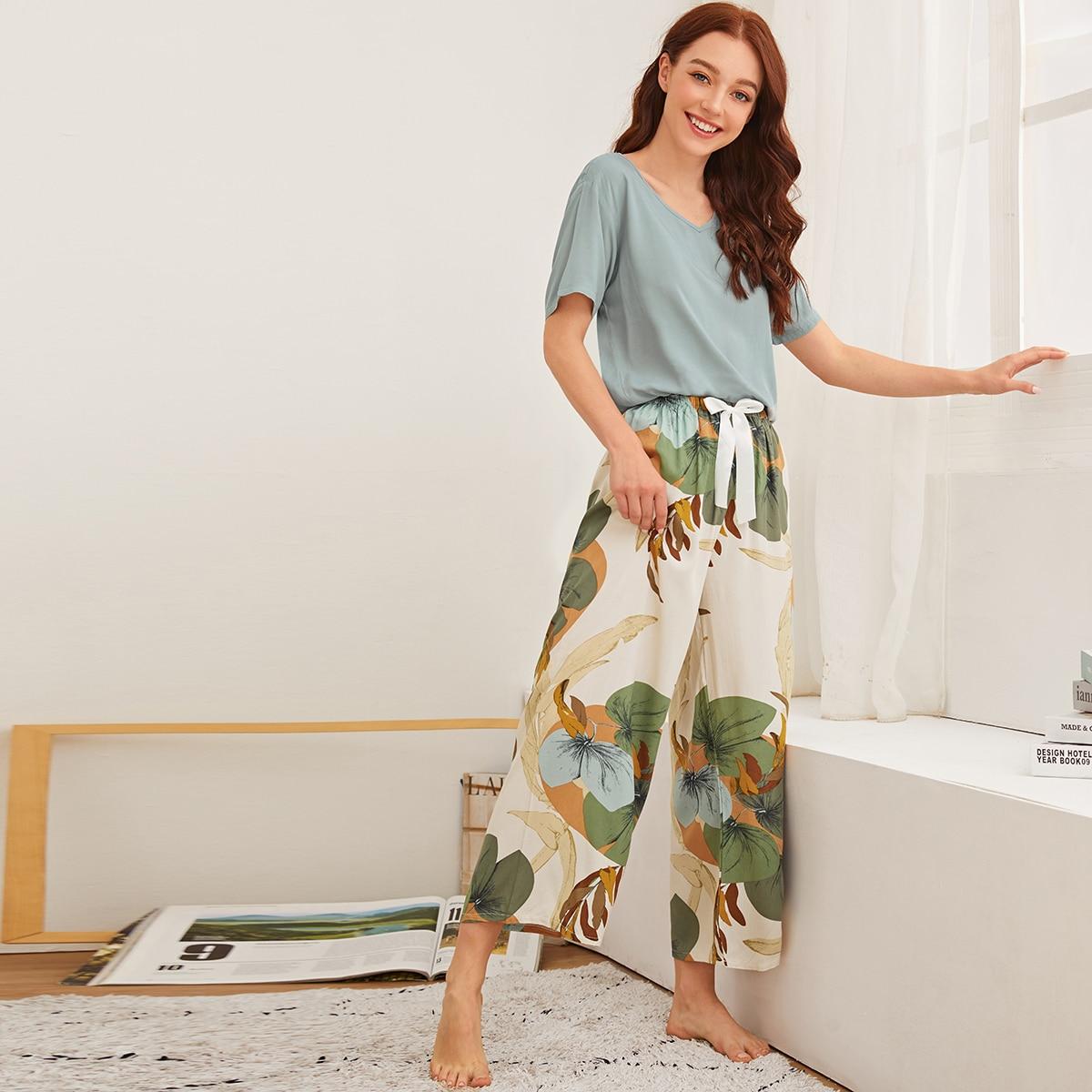 Пижама с узлом и цветочным принтом