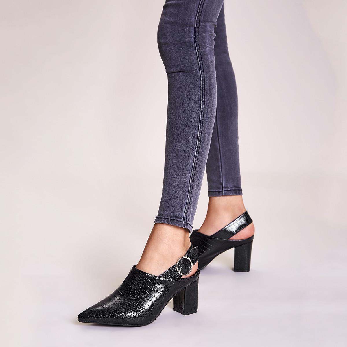 Остроконечные рельефные туфли с массивным каблуком от SHEIN