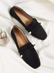 Knotted Decor Flat Loafers