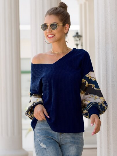 V-neck Contrast Balloon Sleeve Sweater
