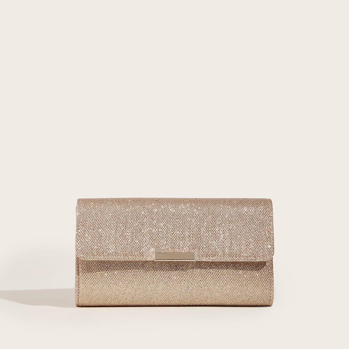 Блестящая сумка-клатчна цепочке