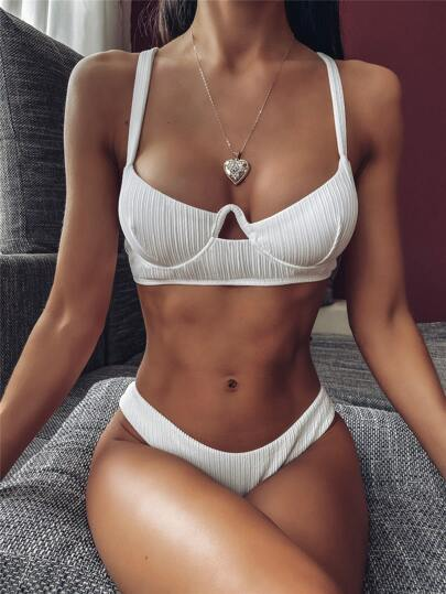 Textured Underwire Top With High Cut Bikini