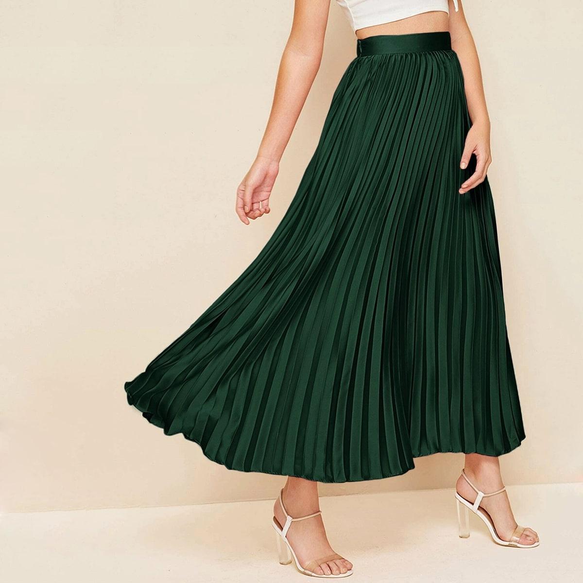 Длинная плиссированная атласная юбка