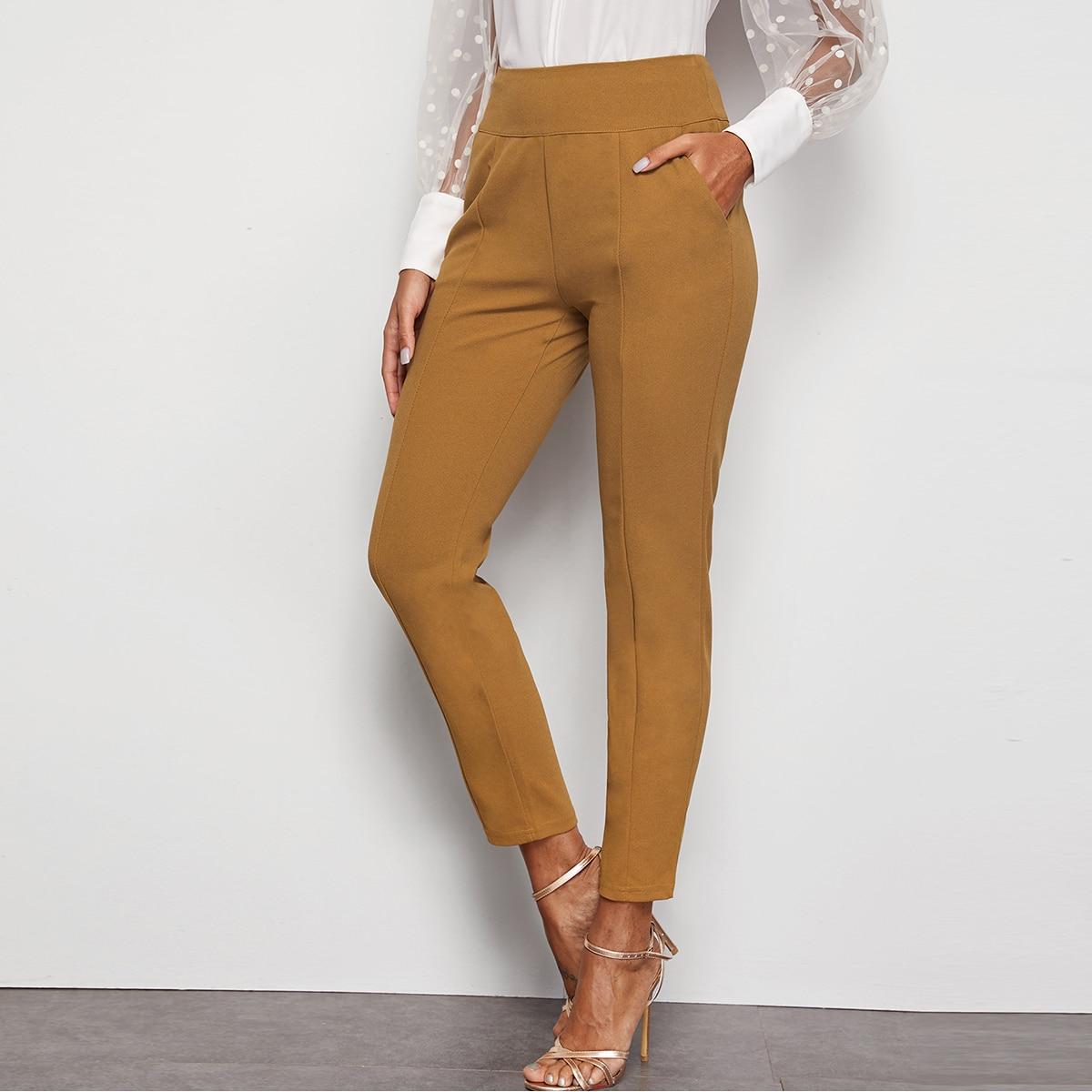 Hosen mit Reißverschluss hinten und weitem Tailleband