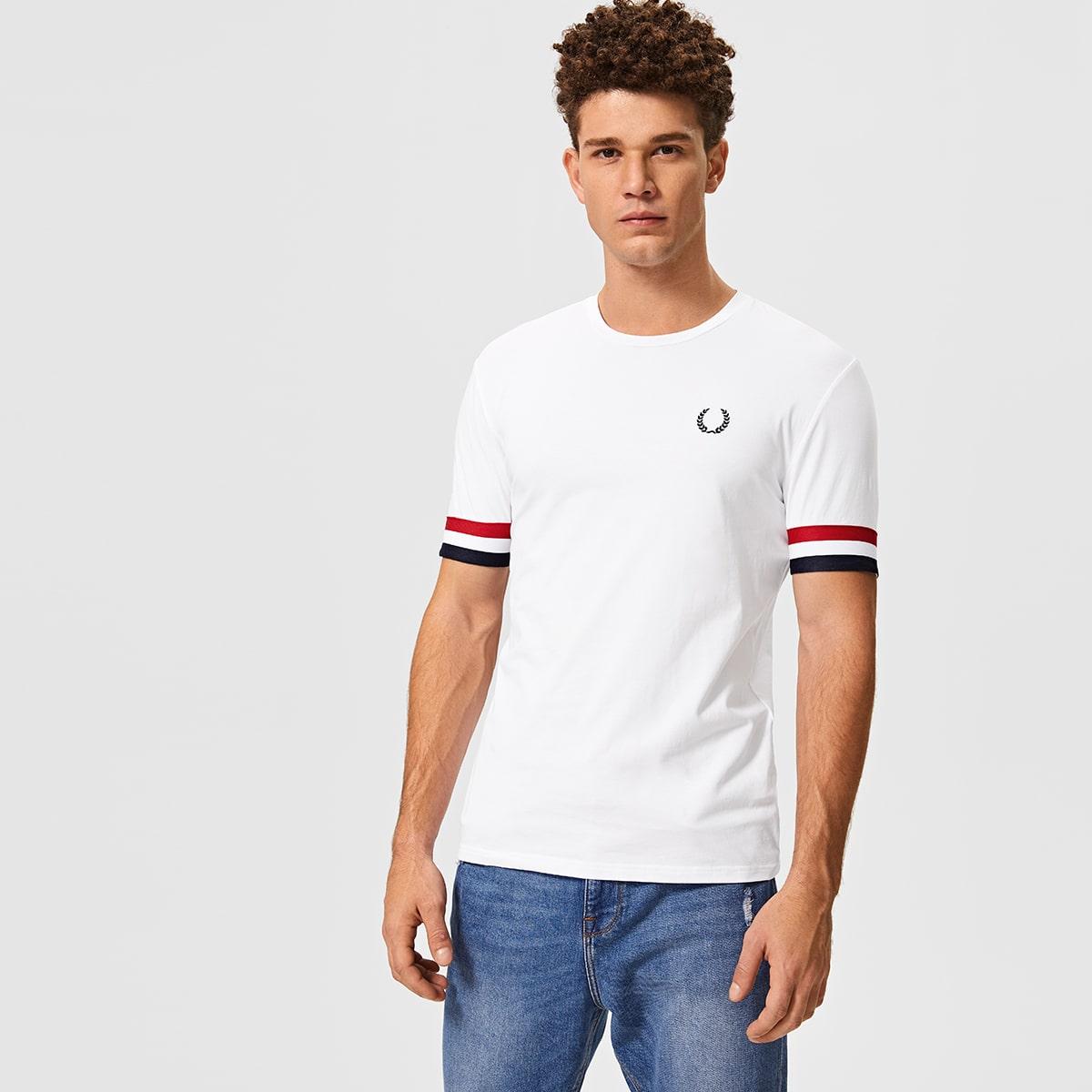 Мужская футболка с выышивкой и полосками