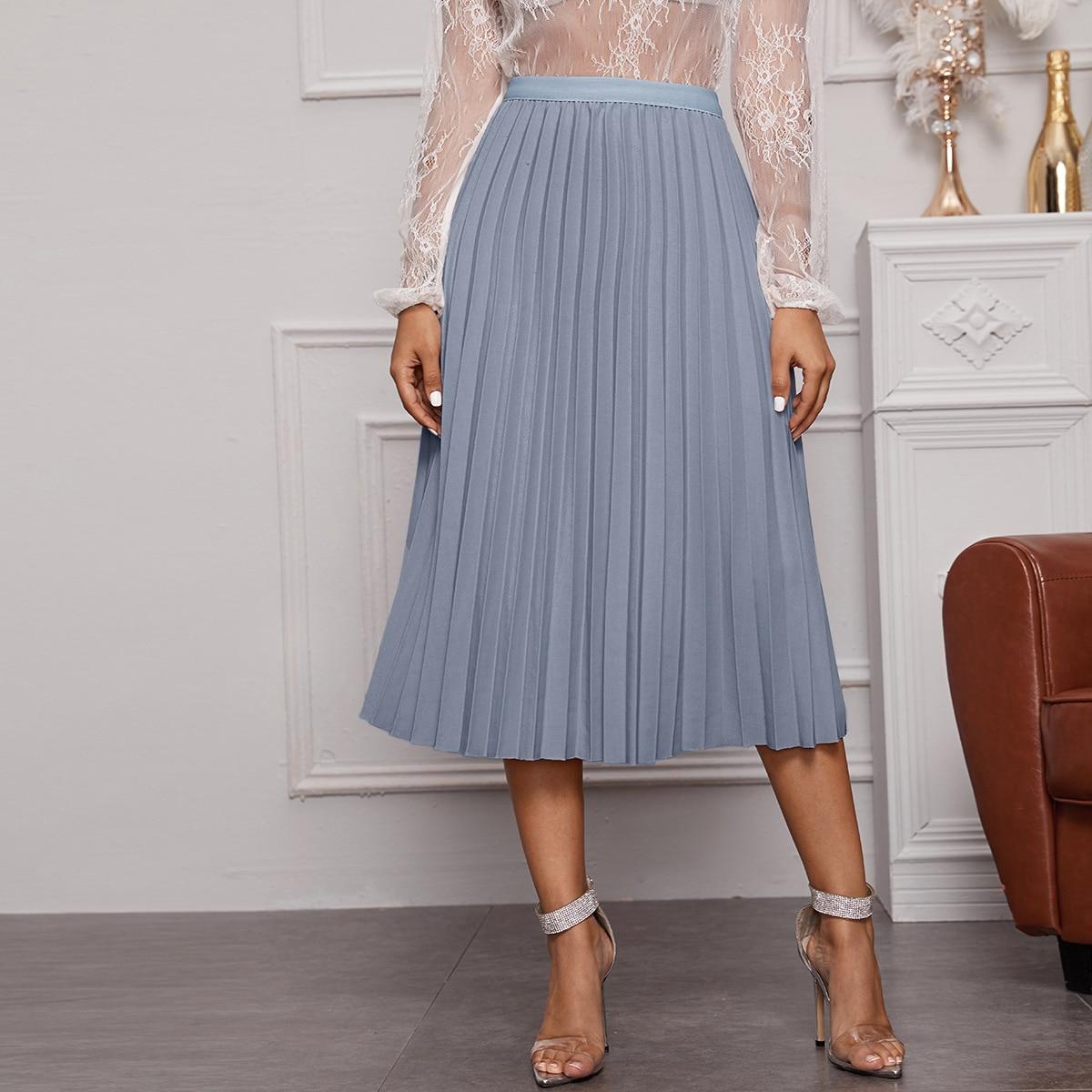 Однотонное плиссированное платье с эластичной талией
