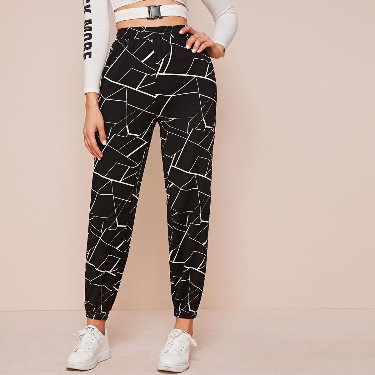 Геометрические спортивные брюки с эластичной талией