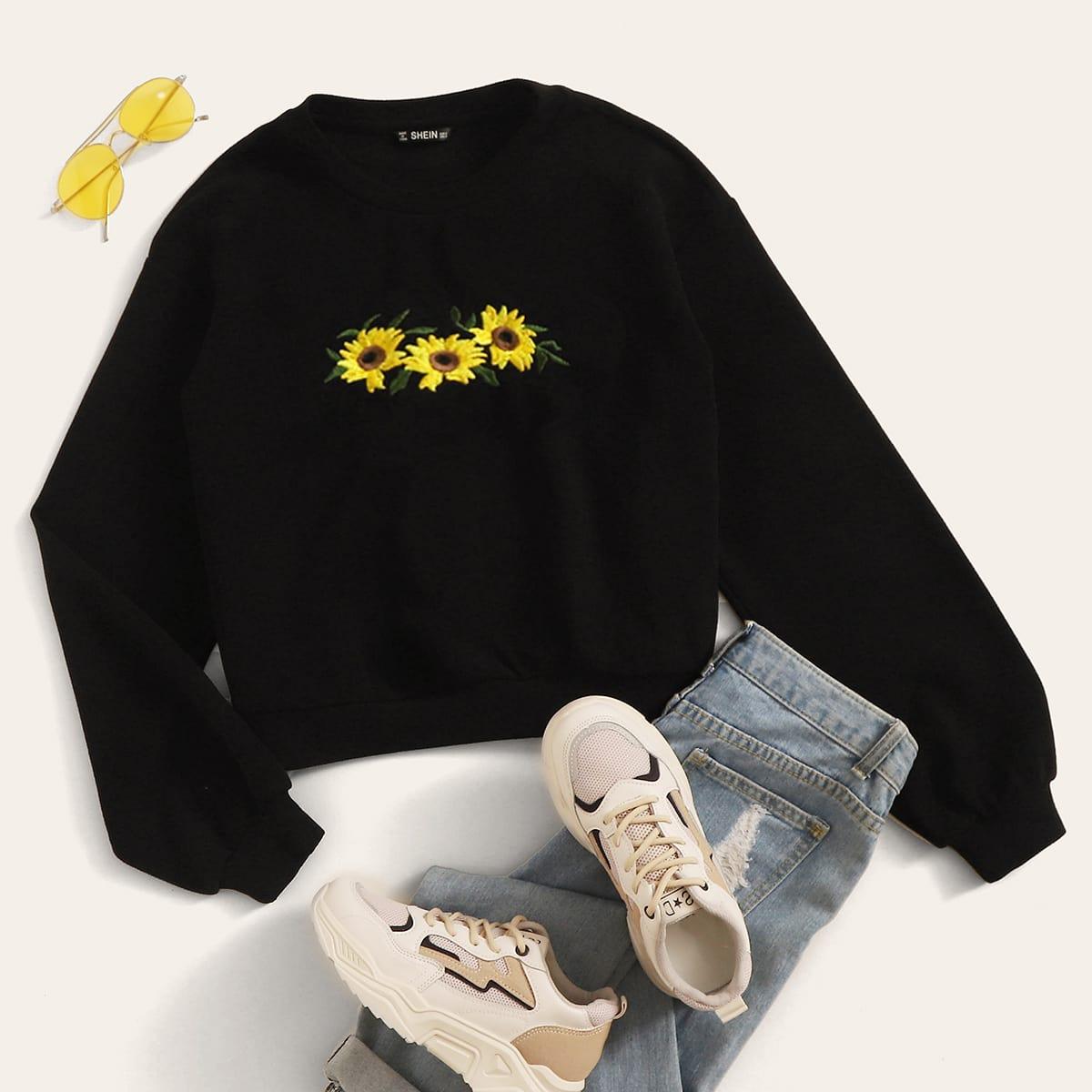 Пуловер с вышивкой подсолнуха