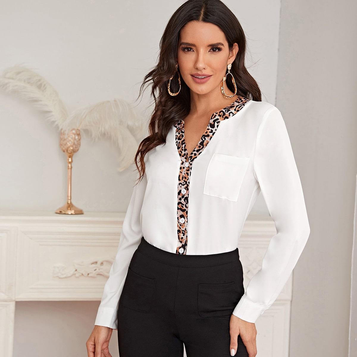Bluse mit Kontrast Leopard Muster und Taschen Flicken