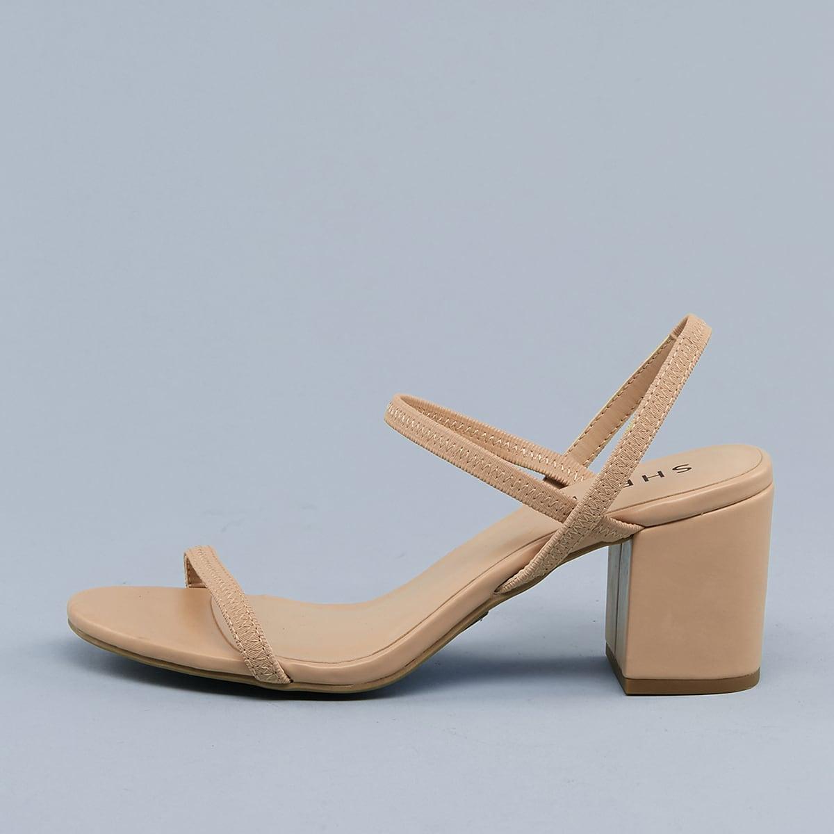 Сандалии на каблуках с открытым носком и открытой пяткой