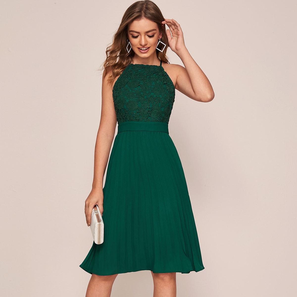 Кружевное плиссированное платье-халтер