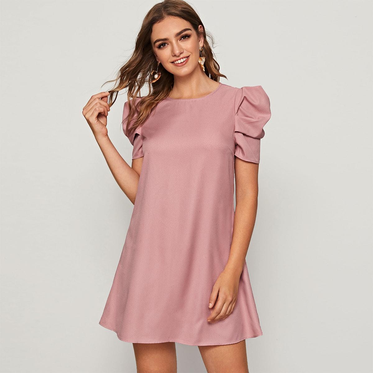 Платье с застежкой сзади и пышным рукавом