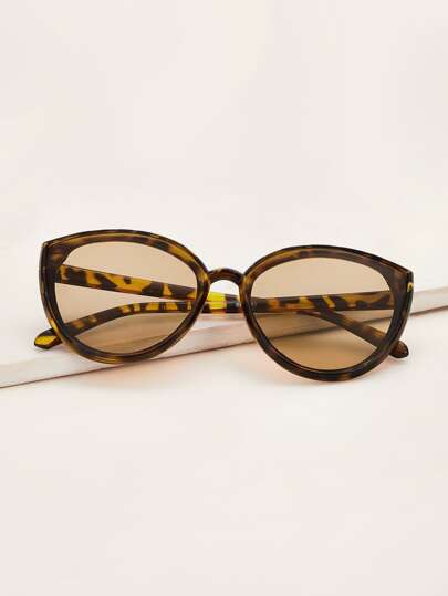 Tortoiseshell Frame Cat Eye Sunglasses With Case