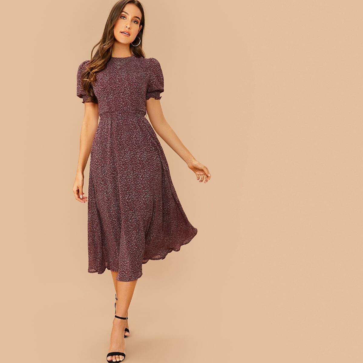 Расклешенное шифоновое платье с поясом и пышным рукавом