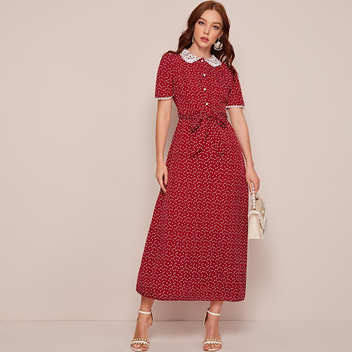 Платье с поясом и воротнико питером пэном
