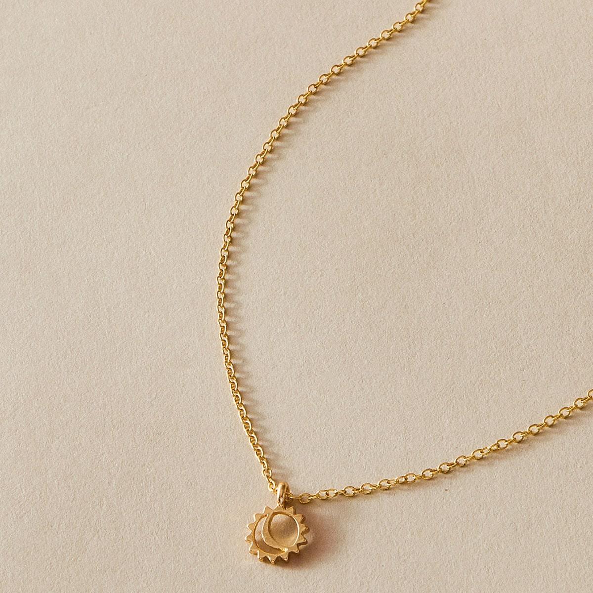 1 Stück Halskette mit Sonne & Mond Anhänger
