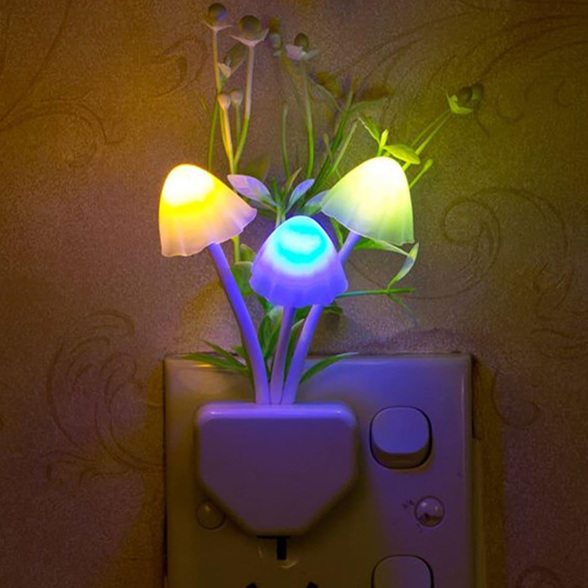Nachtlicht mit zufälligem Pilz & Blume Design 1 Stück