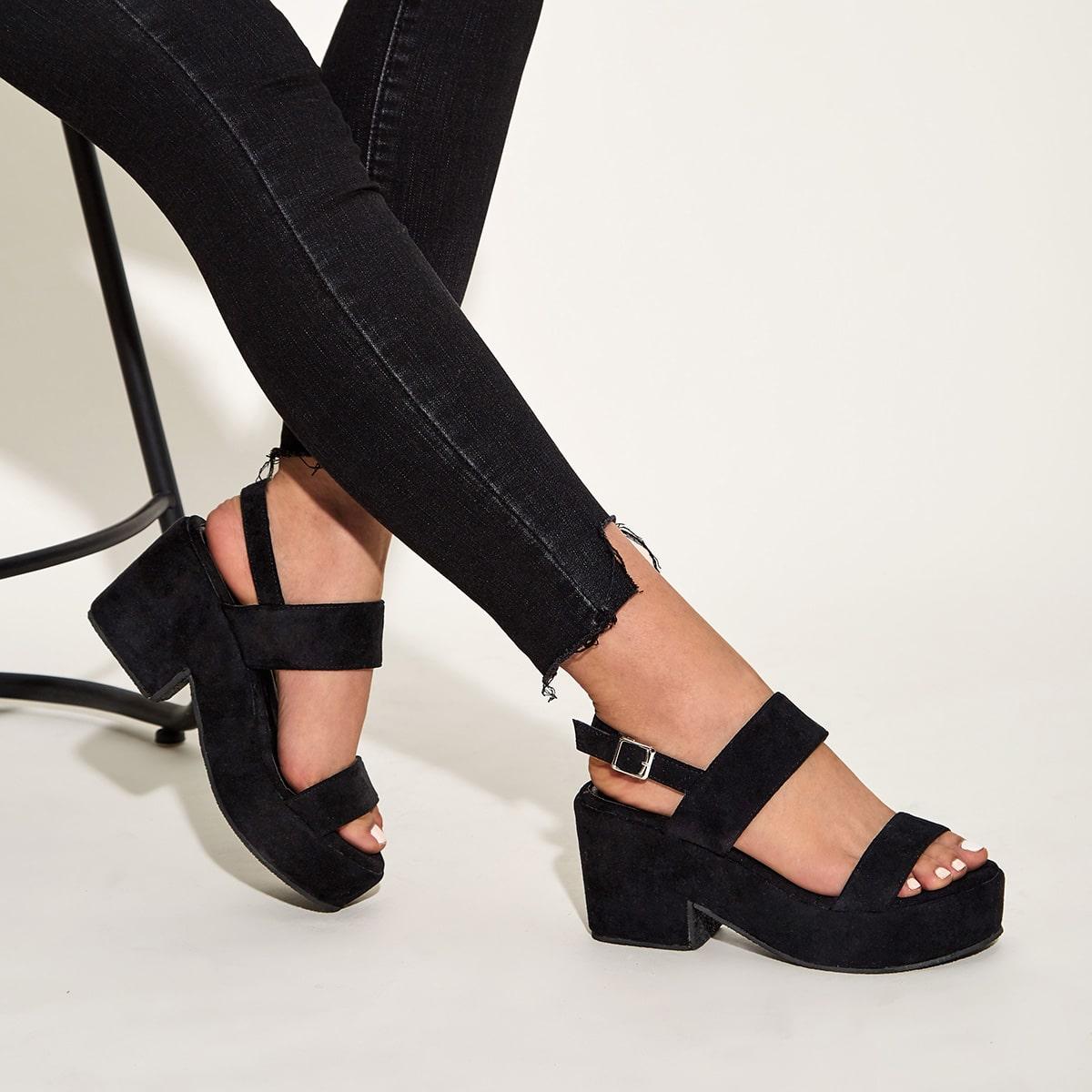 Туфли с массивным каблуком, открытым носком и открытой пяткой