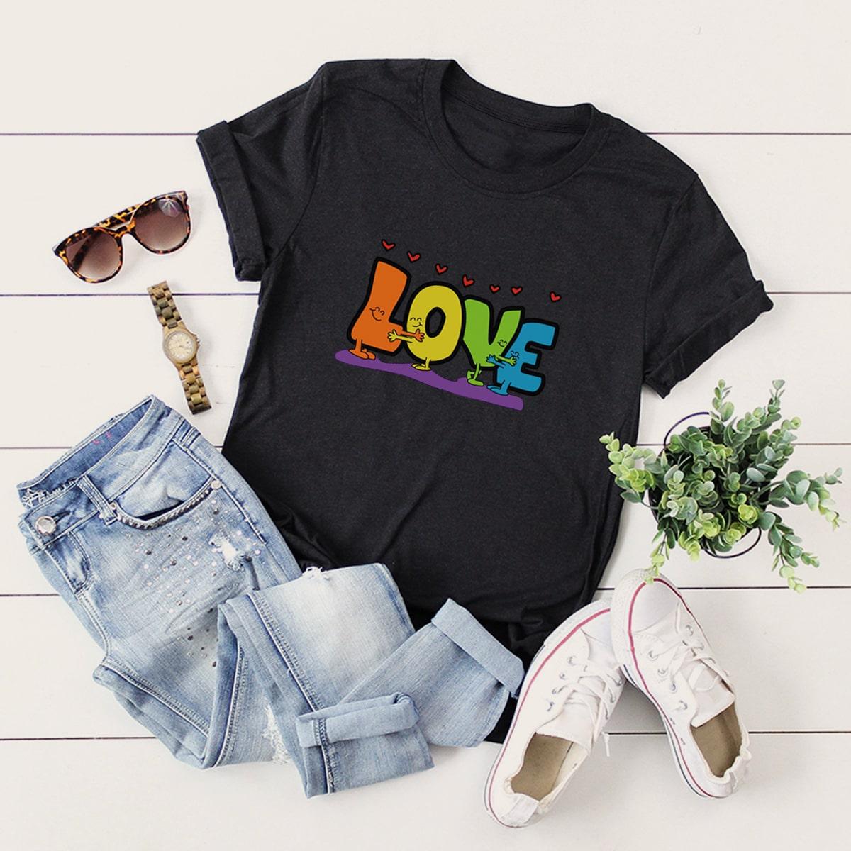 Große Größen – T-Shirt mit Herzen & Buchstaben Muster