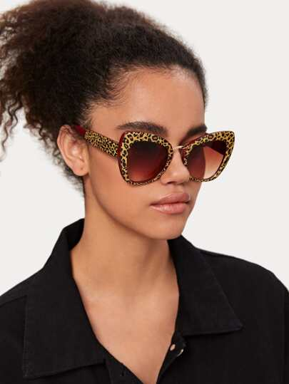 Leopard Frame Cat Eye Sunglasses With  Case