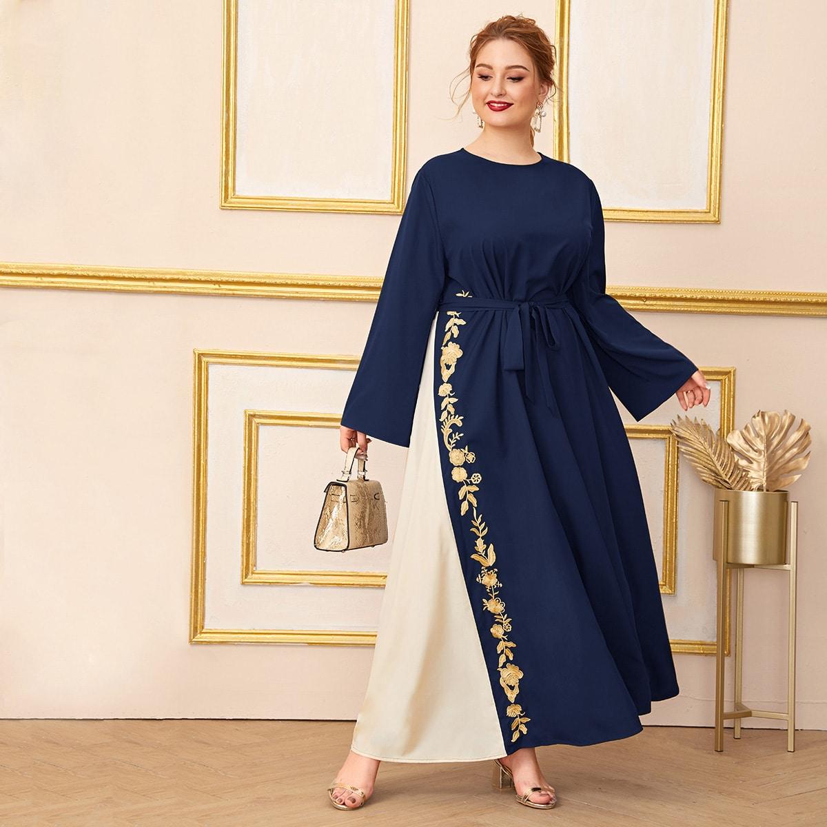 Übergroßes Kleid mit Selbstgürtel und Stickereien