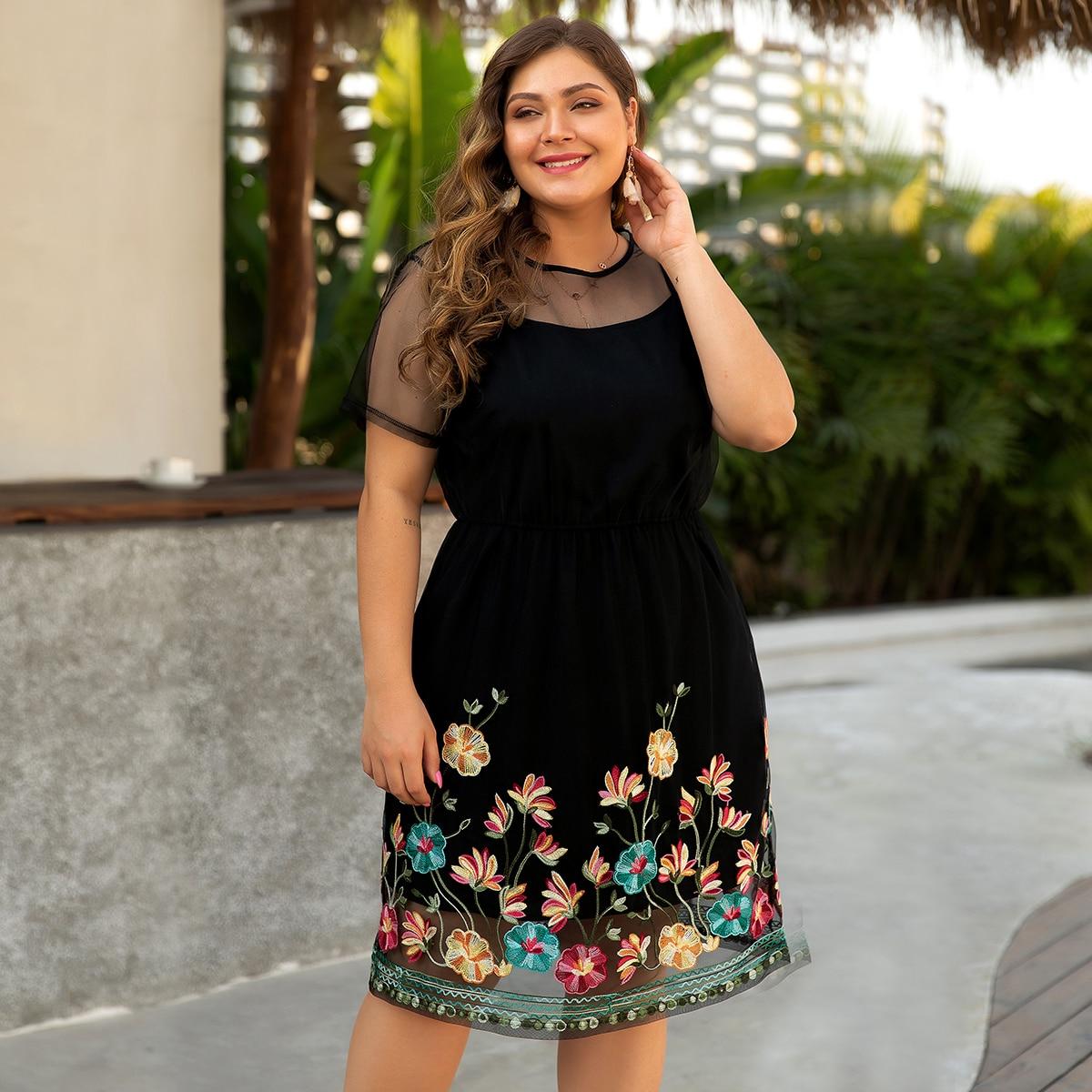 Сетчатое платье размера плюс с цветочной вышивкой