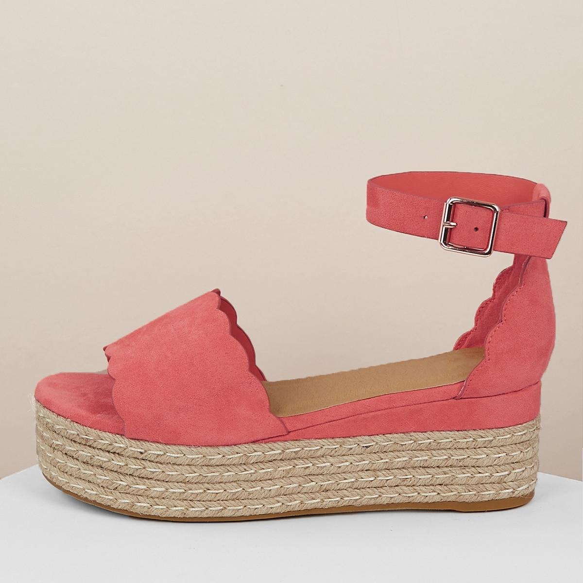 Широкополосные джутовые плоские сандалии с оригинальной отделкой