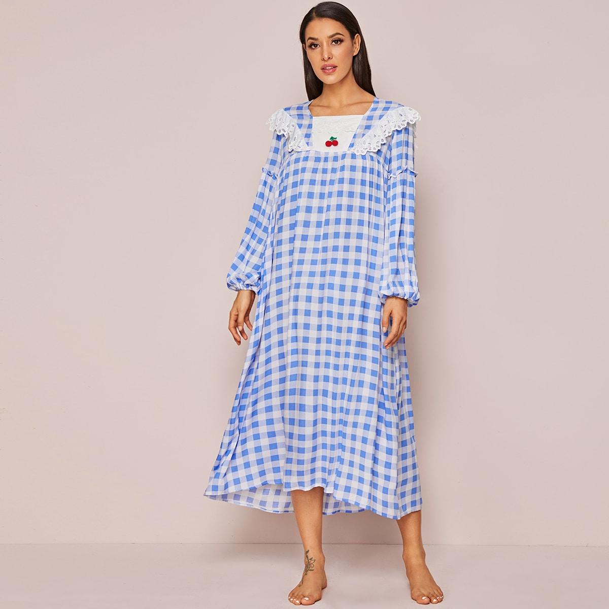 Nachtkleid mit Kirsche Detail, Laternenärmeln und Karo Muster