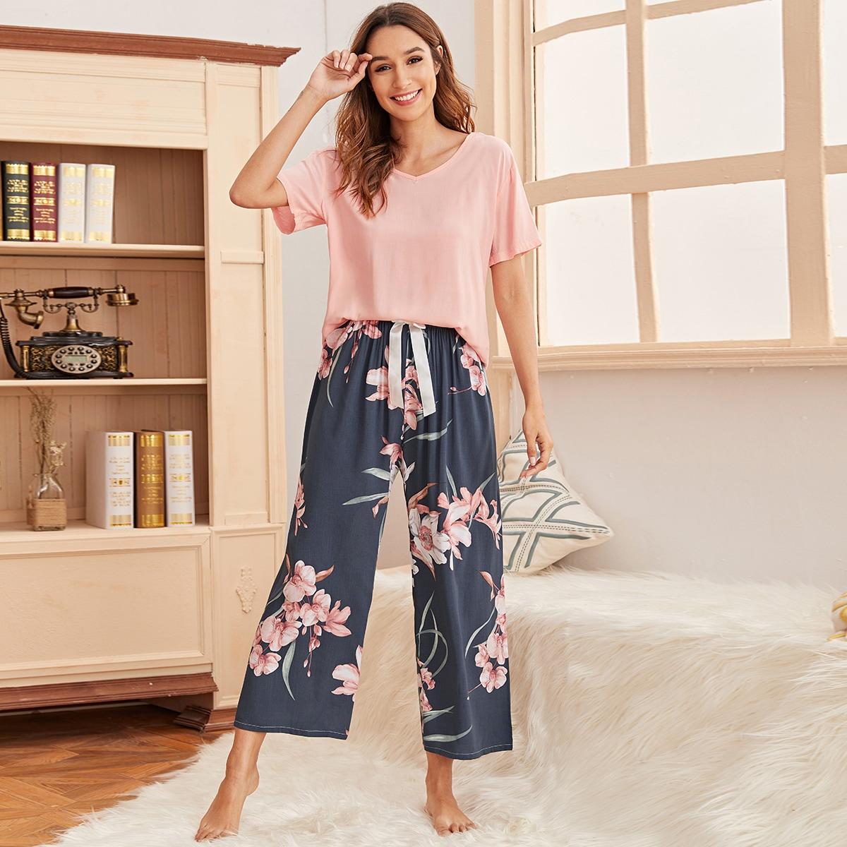 Пижама на кулиске с цветочным принтом