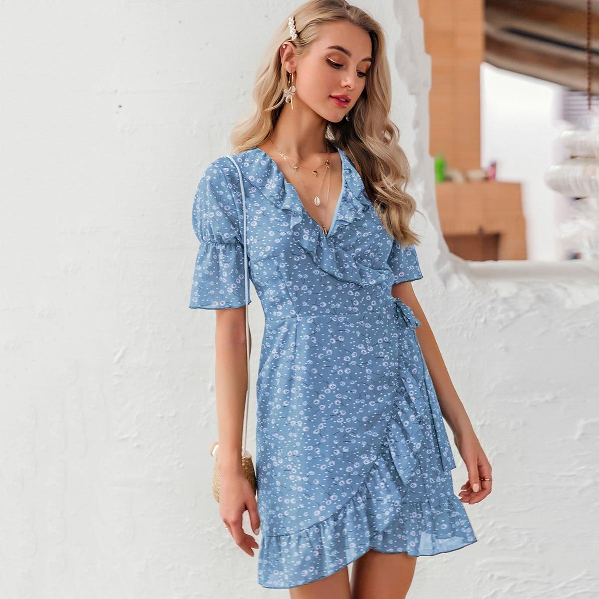 Simplee Kleid mit Raffungsaum, Wickel Design und Blümchen Muster
