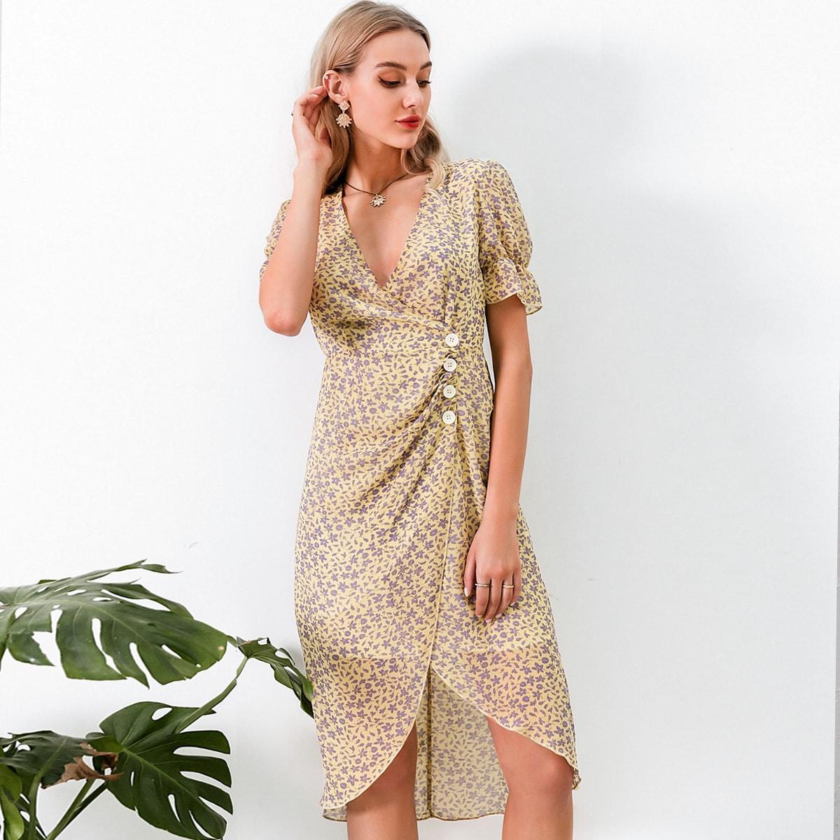 Асимметричное цветочное платье с пышными рукавами