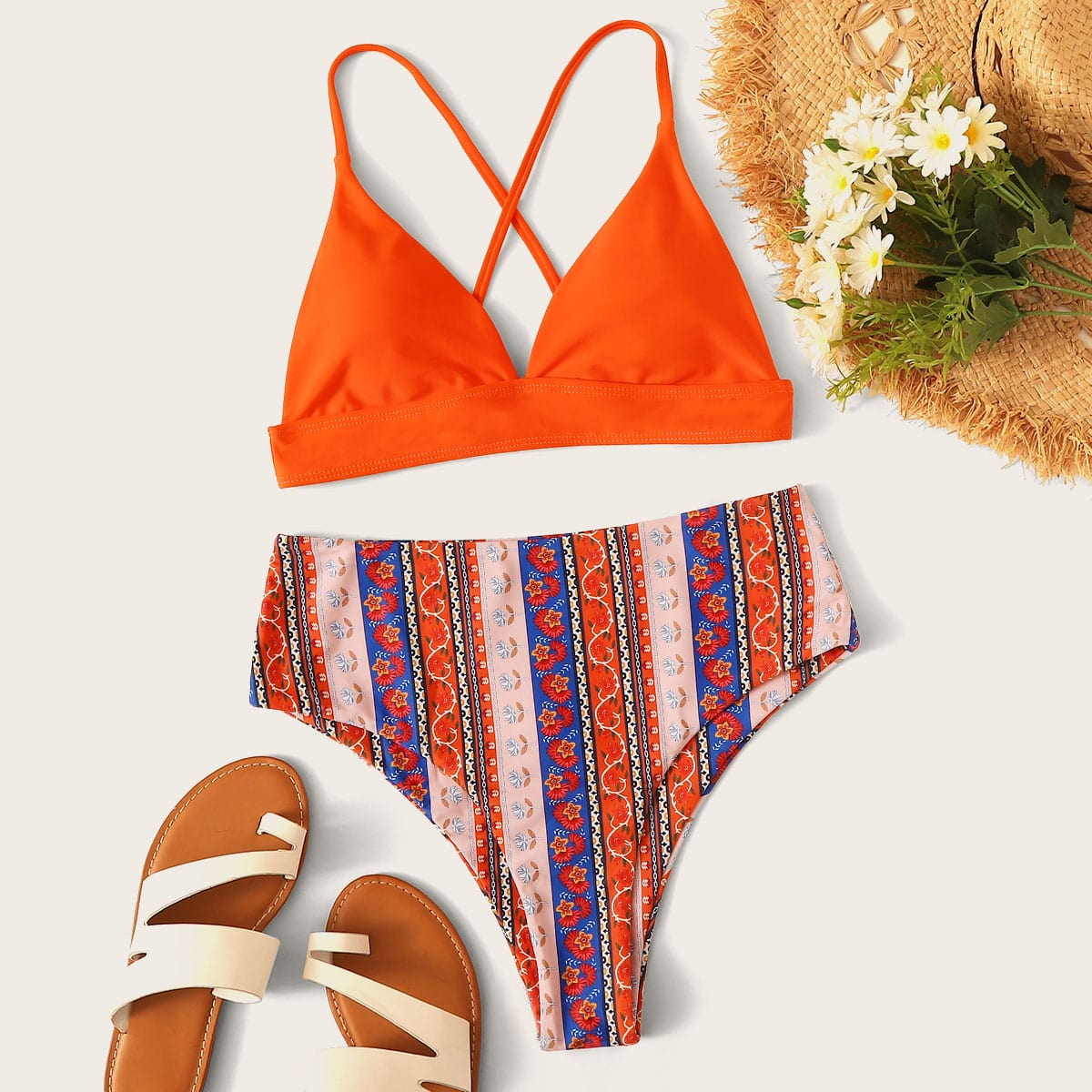 Dreieckiger Bikini mit zufälligem Stamm Muster und hoher Taille