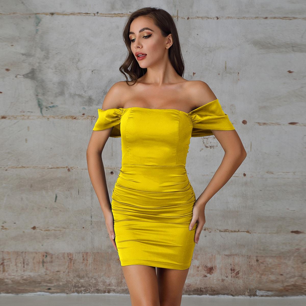 Double Crazy Satin Figurbetontes Kleid mit Rüsche