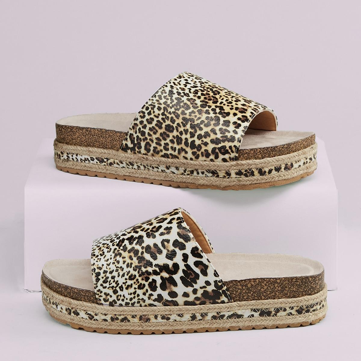 Сандалии с открытым носком и леопардовым принтом