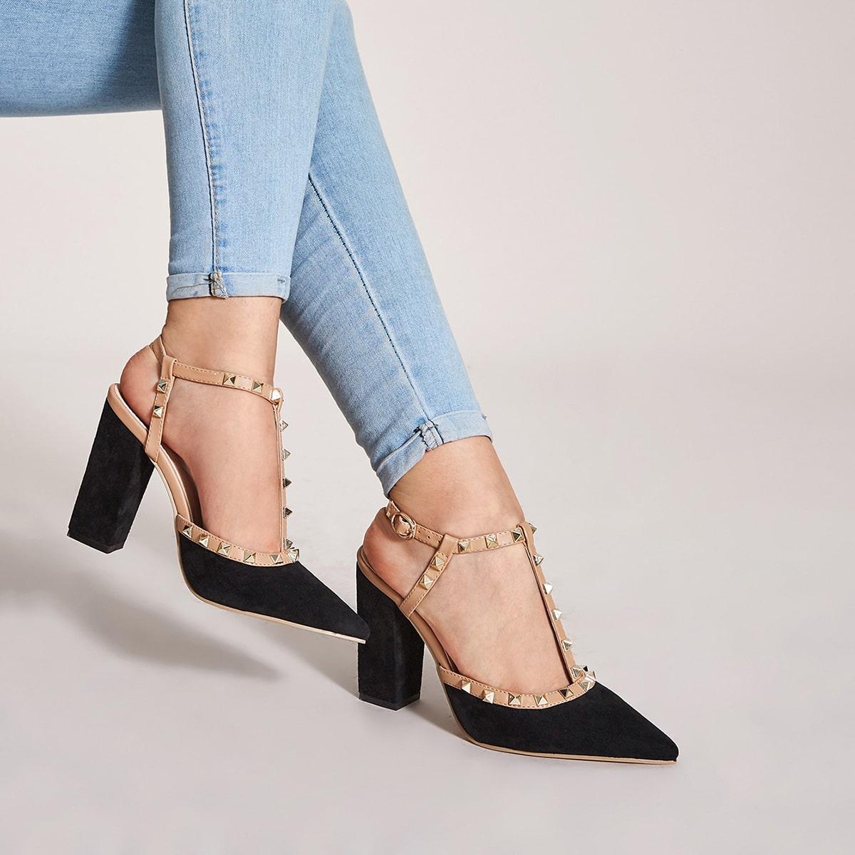 Остроконечные туфли с массивным каблуком и заклепками от SHEIN